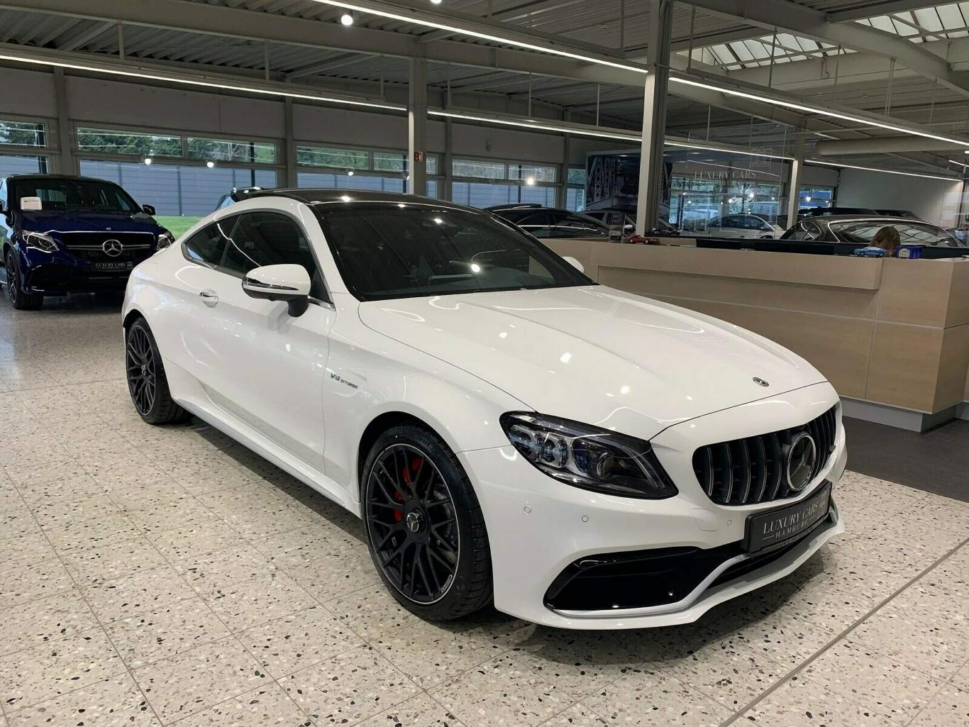 White Mercedes Benz >> Mercedes Benz C 63 Amg S Coupe 2019 White Panoramic Burmester