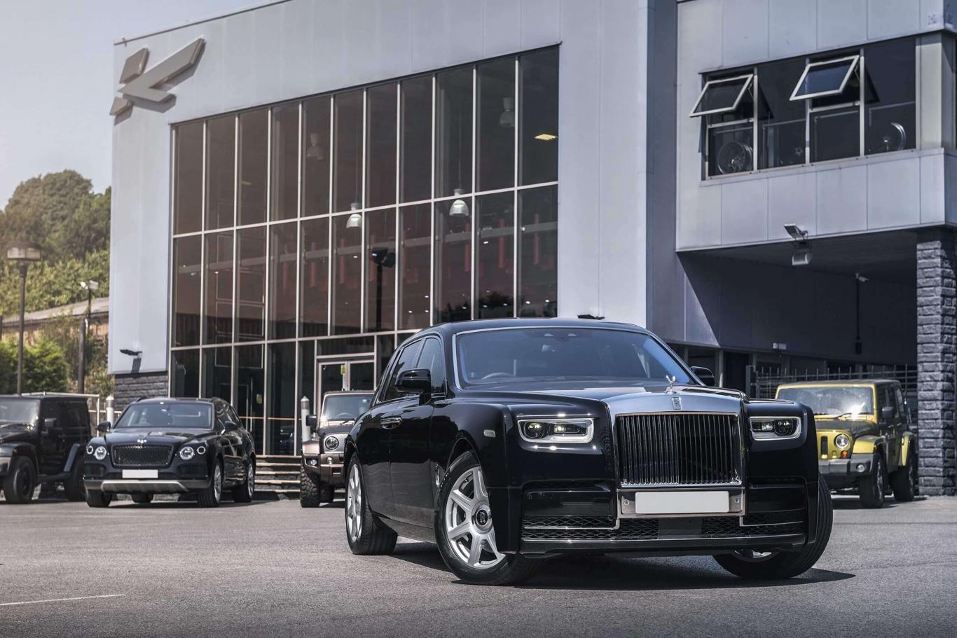 Rolls Royce Limo >> Rolls Royce Phantom Rare Collectable Limousine