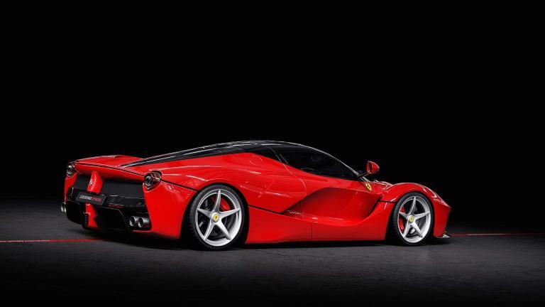 Ferrari Laferrari Red 130 Km Gcc Specs For Sale